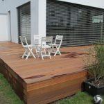 Holzterrasse aus robustem Holz der Schreinerei Holztechnik Volk